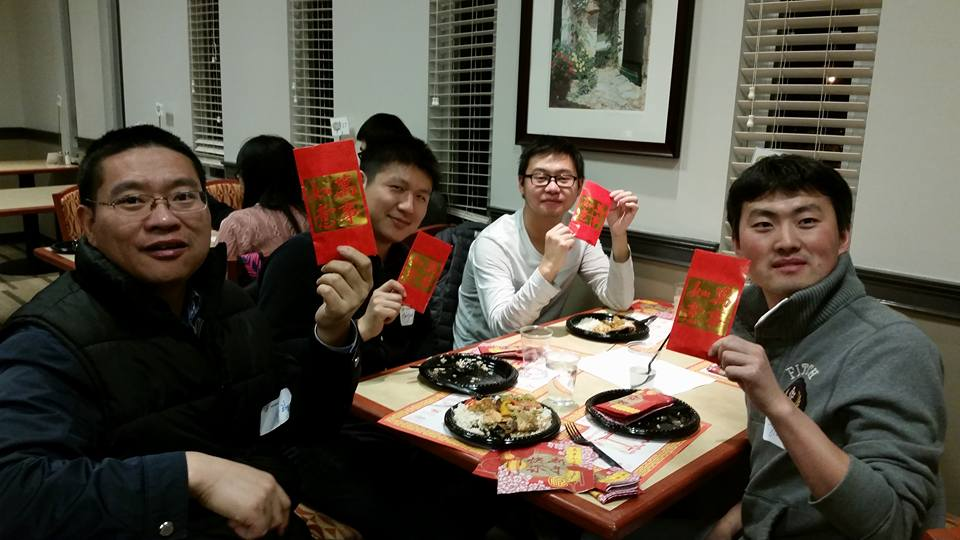 chinese-students-with-red-envelop-gifts